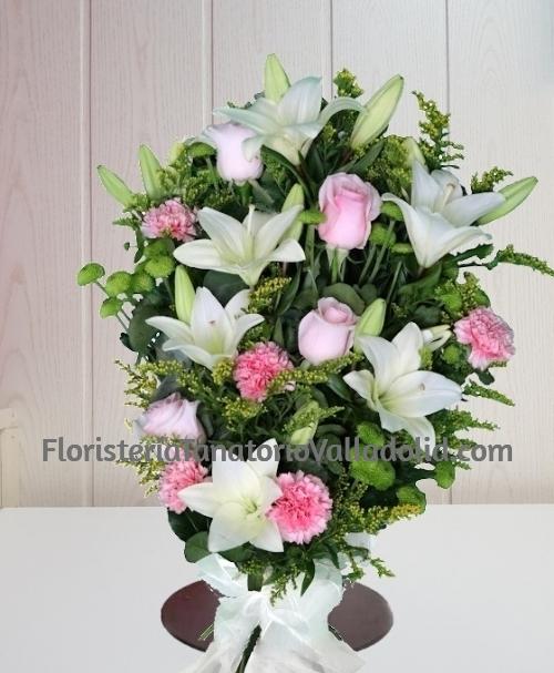Ramo funerario blanco y rosa para con envio urgente