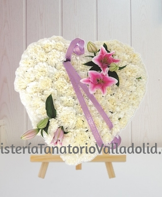 Corazon Funerario clavel blanco para tanatorio