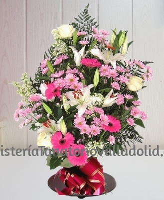 Ramo funerario tonos rosas tanatorio envio urgente