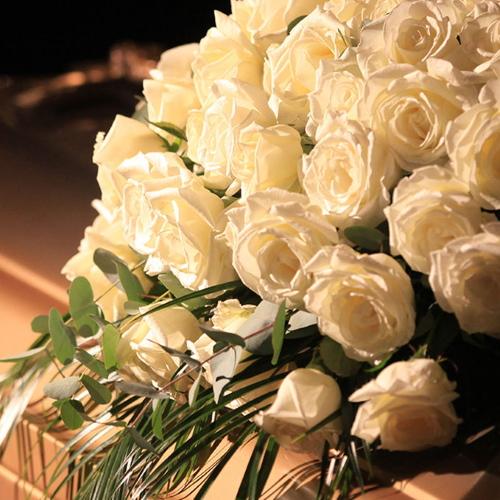 Centro de rosas blancas Valladolid