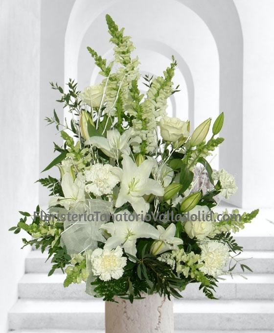 Centro Funerario Básico Blanco, Arreglos Florales Fúnebres, Flores para Tanatorio, Floristería Tanatorio Valladolid, Flores para Defunción